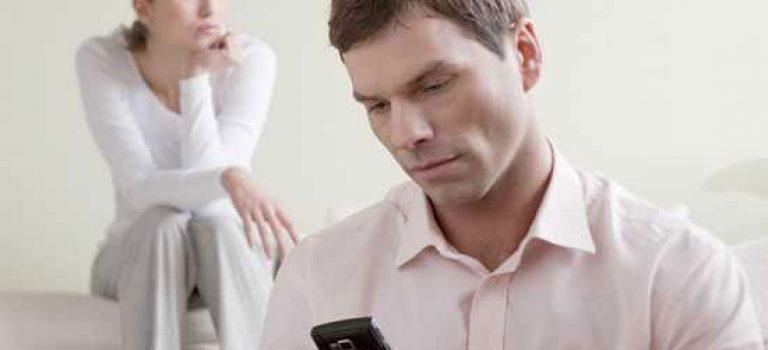 چگونه با مساله شک کردن همسر برخورد کنیم؟